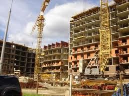 Многоэтажное строительство делится на некоторое количество больших этапов. Данные этапы подразумевают различное выполнение всех необходимых строительных